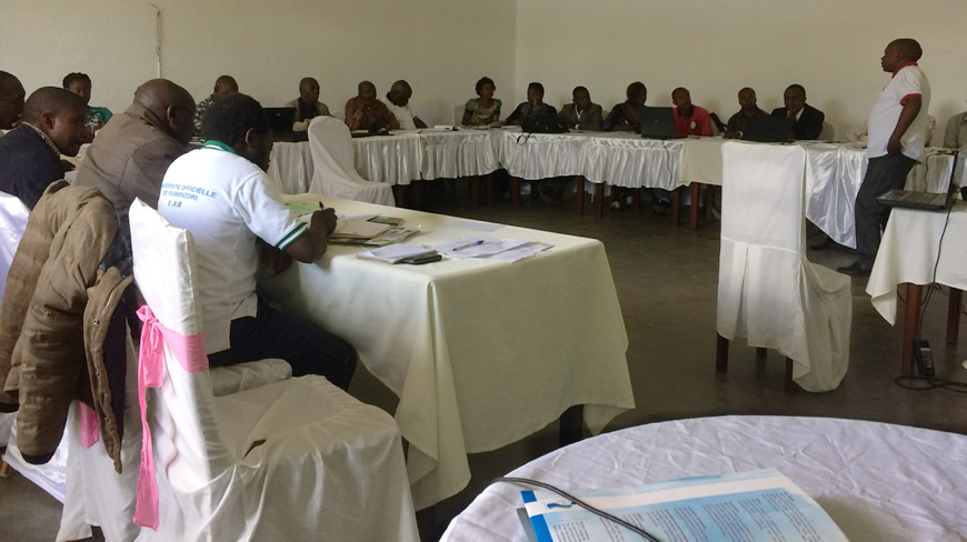Participants train on elaborating community development projects and social development activities amidst climate change risks